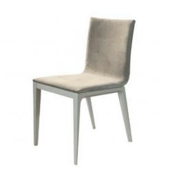 Cadeira com Leve Curvatura
